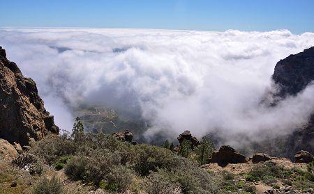Gran Canaria verhüllt sich unter Wolken