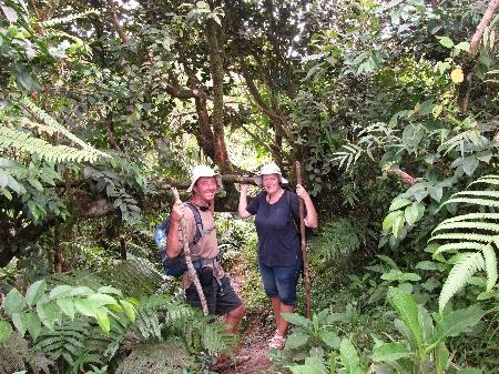 Durch den tropischen Urwald auf den Mount Qua Qua