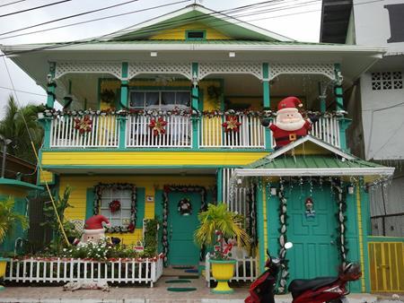 Weihnachtsdeko in Bocas del Toro