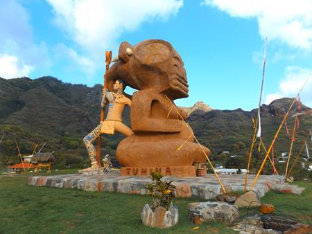 Tiki- Frau mit ihrem Krieger
