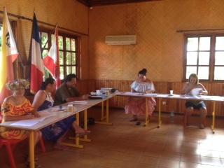 Das Wahllokal und die Wahlhelfer
