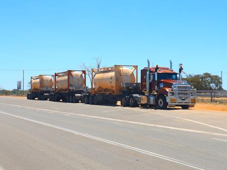 Australischer Roadtrain