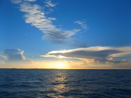 Gewitterwolke über dem australischen Festland