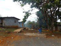 Der Zugangsweg zum Dorf
