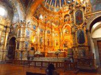 Prunk über Prunk in den mit Gold verzierten Kirchen