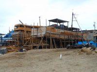 Schiffswerft am Strand