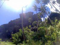 Alles beherrschende Berge über dem Dorf