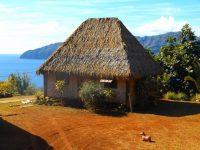 Pittoreske Häuser auf Hiva Oa
