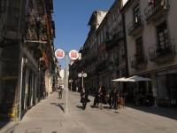 Porto: Portugiesische Studenten in Uniform und Mantel