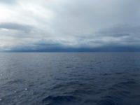 Die Wettfahrt mit den Regenwolken nach Makemo