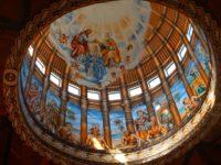 Wunderschöne Kuppel in der grössten katolischen Kirche