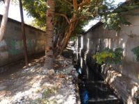 Abwassergraben mitten durch die Stadt