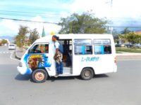 Microlet die hiesigen Minibusse