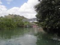 Zufahrt zur Segelmacherei durch die Mangroven