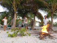 Lagerfeuerromantik auf Sandy Island