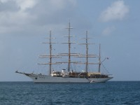 Fort de France: Sea Cloud fast neben uns vor Anker