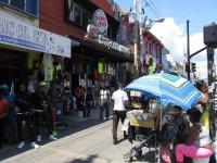 Kingston: Quirlige Straßenverkäufe