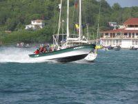 Rasante über 200PS starke Fischerkähne quer durch das Ankerfeld